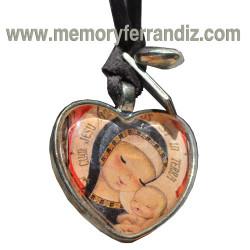 Medalla Ferrándiz. Corazón plateado 2'5 cm con cristal lupa