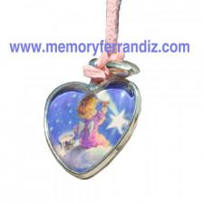 """Medalla corazón plateado . 2'5 cm con cristal lupa. Imagen """"Angelito estrella""""."""