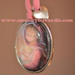 "Medalla plateada ovalada  con cristal lupa 2x3 cm. Imagen ""Virgen pastel"""