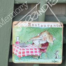 """Placa puerta vintage cartón maché. 12,4 X 11 cm, con cordel. Elefante """"RESTAURANTE"""""""