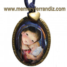 """Medallón plateado ovalado con cristal lupa 30x40 mm. Imagen """"Virgen Pórtico""""."""