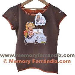 """Camiseta """"Biscuter"""". Dibujos frontal y dorsal.Color marrón. Tallas: INFANTIL"""