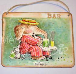 """Placa puerta vintage cartón maché. 12,4 X 11 cm, con cordel. Elefante """"BAR""""."""