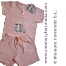 """Camiseta y pantalón corto """"Vespa"""".  Color rosa palo."""
