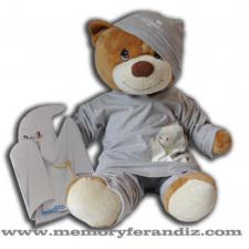 """Pijama """"Fantasma"""" Color gris perla. (talla 2-4 años incluye gorrito)"""